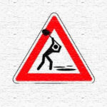 Знак Ямы на дорогах